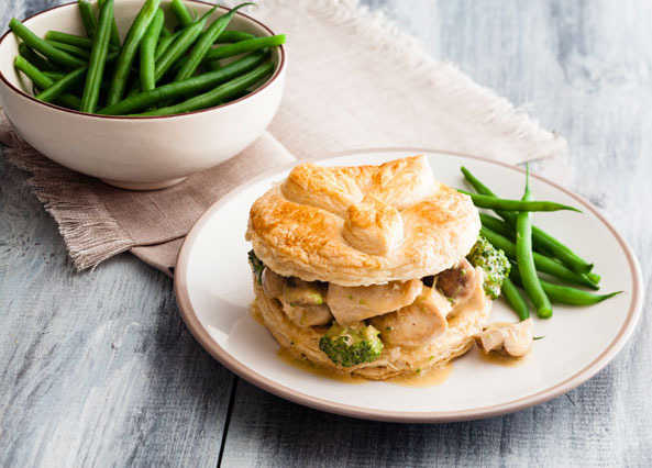 Cheat's chicken pie image