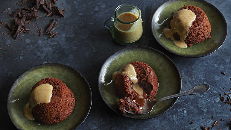 Image: Chocolate and banana molten cakes with hazelnut and date sauce