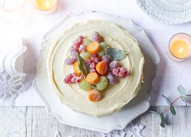 Image: Christmas cake with frosted fruit