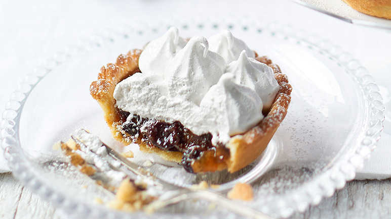 Image: Cinnamon mallow topped mince pies