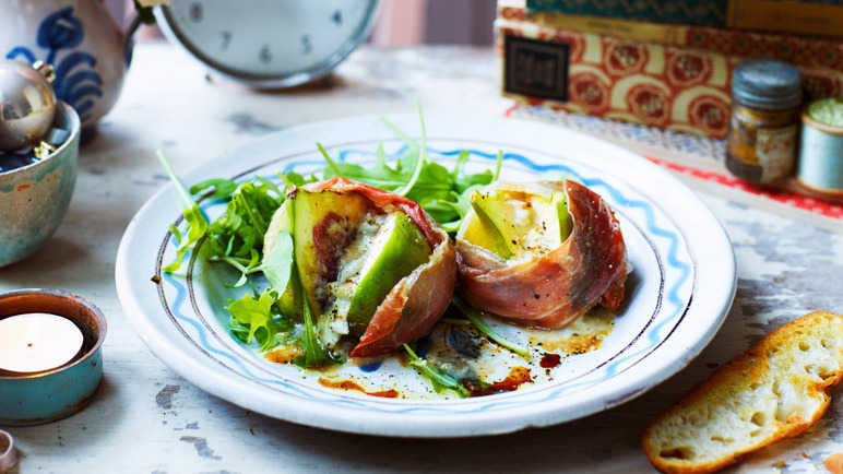 Image: Roasted prosciutto-wrapped figs with blue cheese