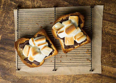 hazelnut-smore-toast-homemade