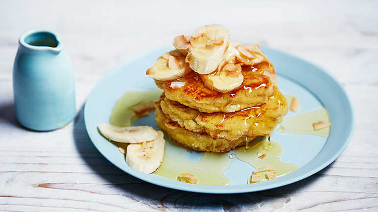 Image: Coconut flour pancakes with banana and agave