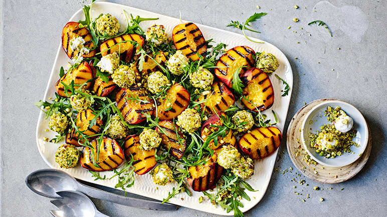 Image: Rocket and peach salad with pistachio goat's cheese