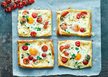 Image: Egg, tomato and taleggio breakfast pies
