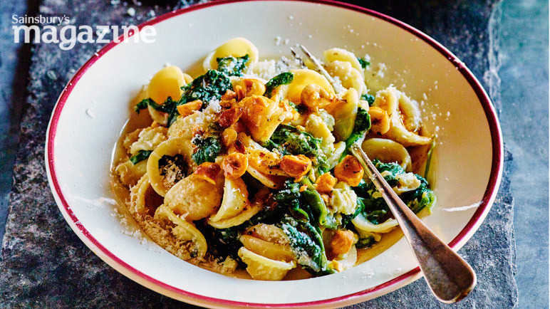 Image: Orecchiette with spinach, Dolcelatte and hazelnuts