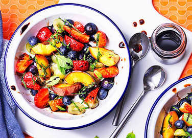 Image: Fruit salad with a balsamic vinegar twist