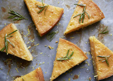 lemon-and-rosemary-cake