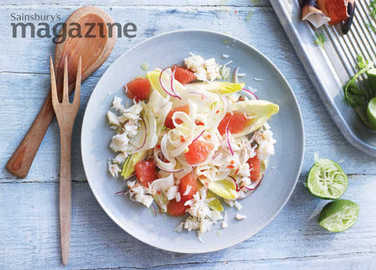 Image: Spiced crab salad with fennel, grapefruit and chicory