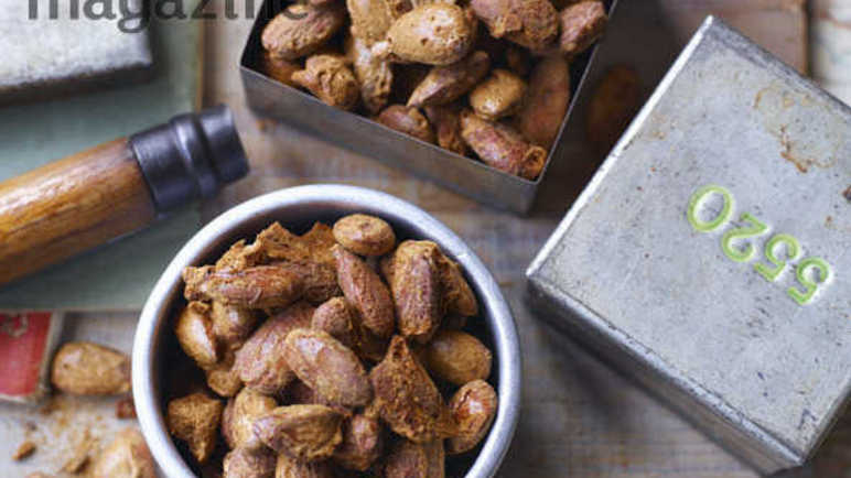 Image: Spiced candied almonds