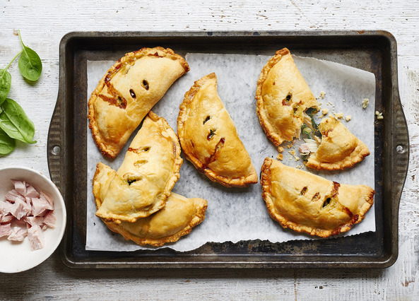 Image: Spinach, chicken and ham pies