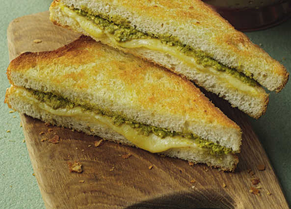 Video: Toasted cheese sandwich with a pesto twist