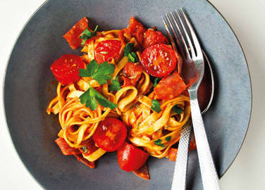 Image: Chorizo linguine with fennel seeds and tomato sauce