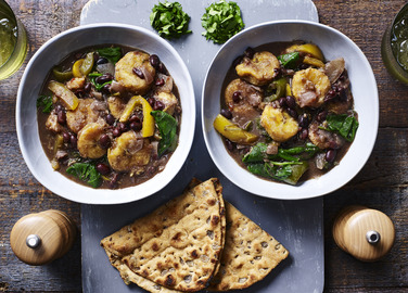 Image: Slow cooker plantain, spinach and coconut curry