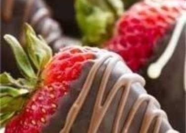 Large image for chocolate dipped strawberries recipe.