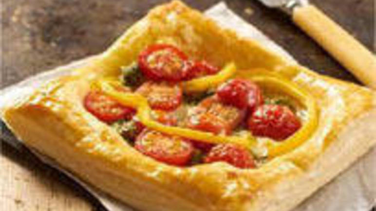 Large image for puff pastry pesto tart recipe.