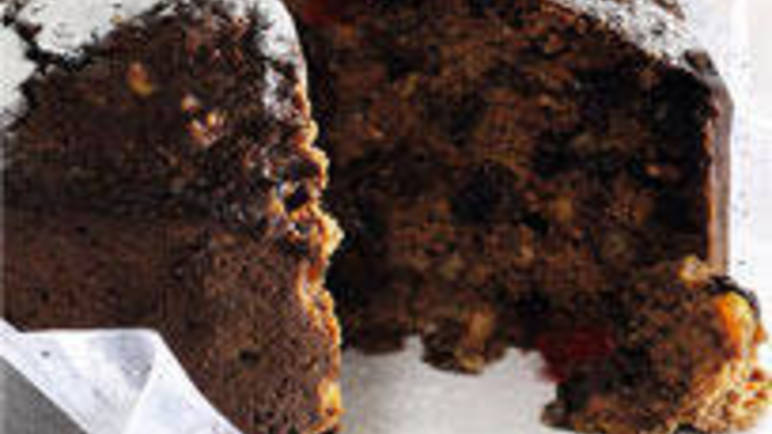 Large image of Blillington's classic Christmas cake on Sainsbury's Online