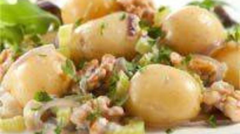 Large image for Sainsbury's Vivaldi potatoes with blue cheese and walnuts recipe