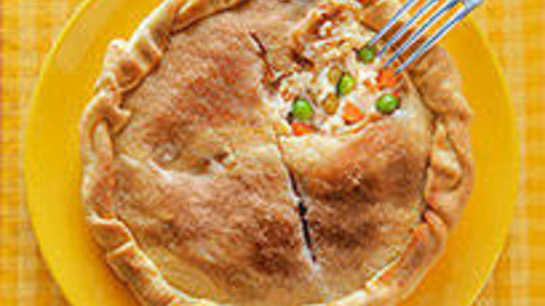 Vegetable and chicken pie