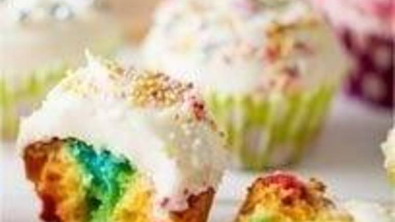 Large image for rainbow cupcakes recipe.
