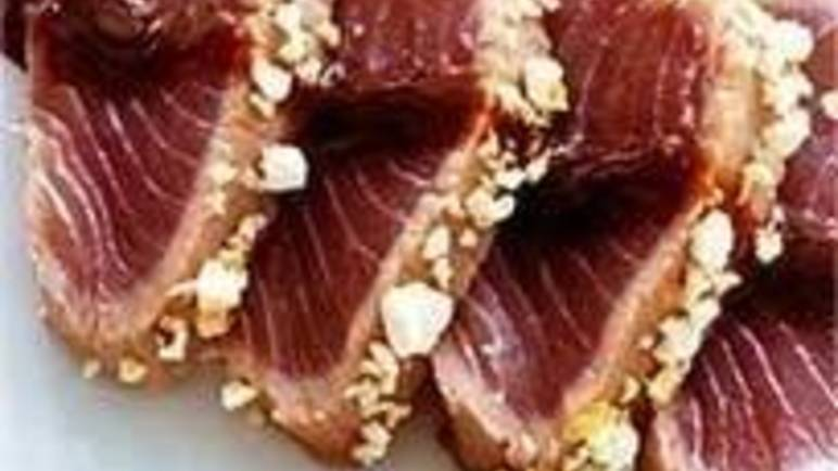 Large image for sweet crusted tuna carpaccio recipe.