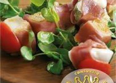 Large image for Parma Ham, mozzarella and tomato kebabs recipe.