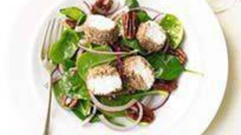 Large image for Sainsbury's Spinach, goats' cheese and pecan salad recipe