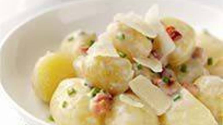 Large image for Sainsbury's Potato Caesar salad with bacon and chives recipe