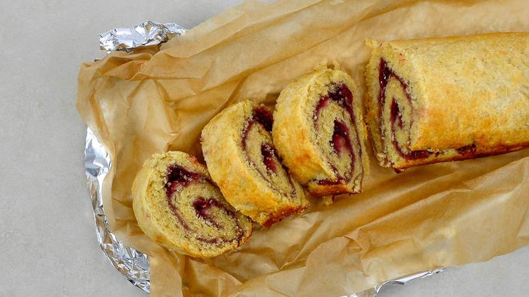 Image: Jam roly poly