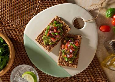 Image: Pesto with tomato salsa on Mediterranean herb Ryvita