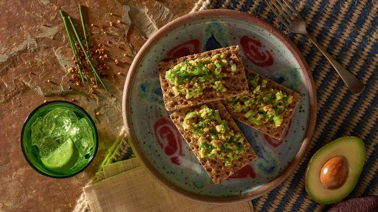 Image: Avocado and lentil on Ryvita