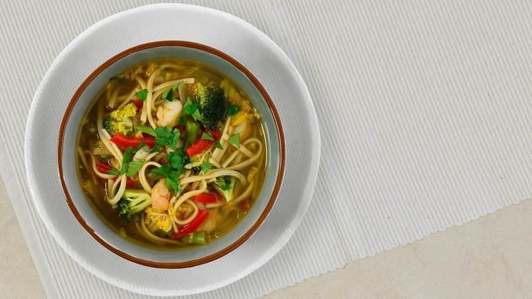 Image: Vegetable and noodle broth