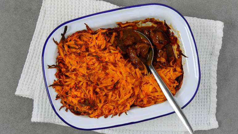 Image: Beef and vegetable stew with sweet potato rosti topping