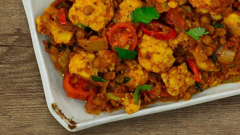Image: Cauliflower, roasted coconut & lentil madras