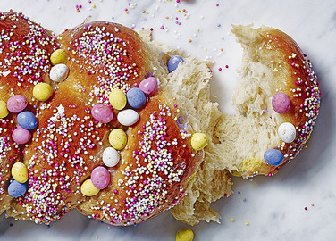 Image: Easter mini egg bread