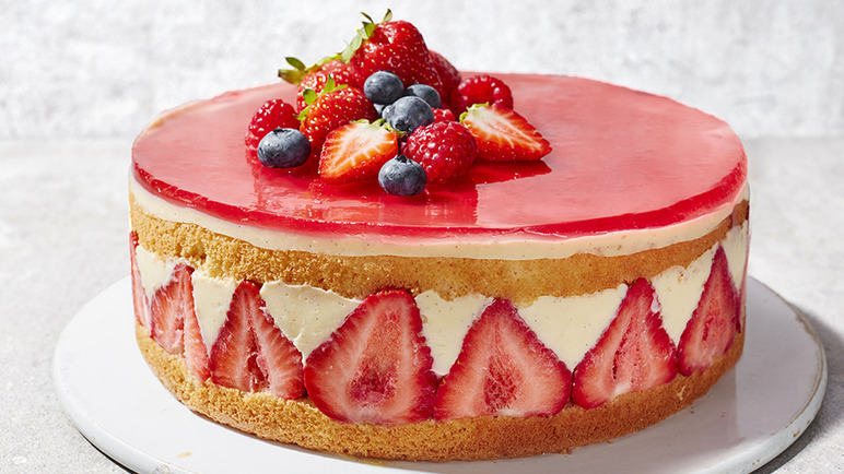 Strawberry Gateau Birthday Cake