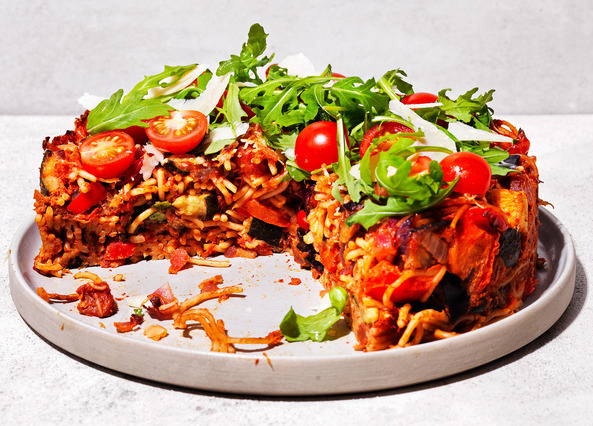 Image: Spaghetti cake with roasted courgette and aubergine