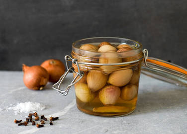 Image:  Sweet and spicy pickled shallots or onions