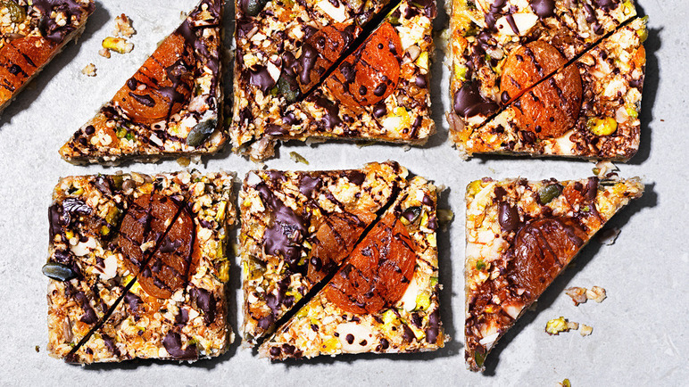 Image: Apricot and ginger bars