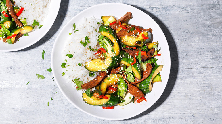 Image: Stir-fried beef with cucumber