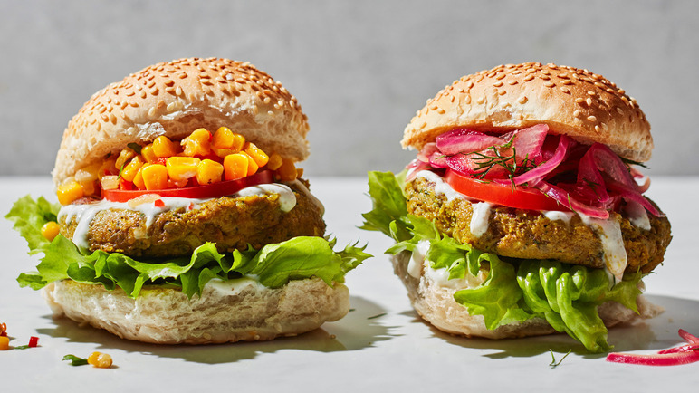 Image: Cauliflower burgers with sweetcorn relish, quick-pickled red onions and spiced yogurt