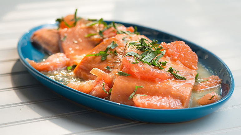 Image: Florida Grapefruit Roasted Salmon with Shallot