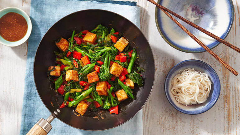 Image: Stir fry with crispy tofu