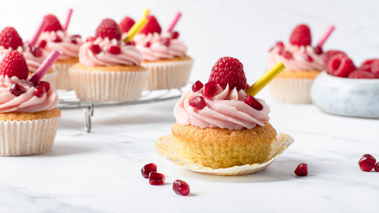 Image: Gin cocktail cupcakes