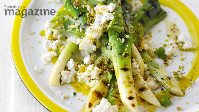 Leeks vinaigrette, goats' cheese and crispy crumbs