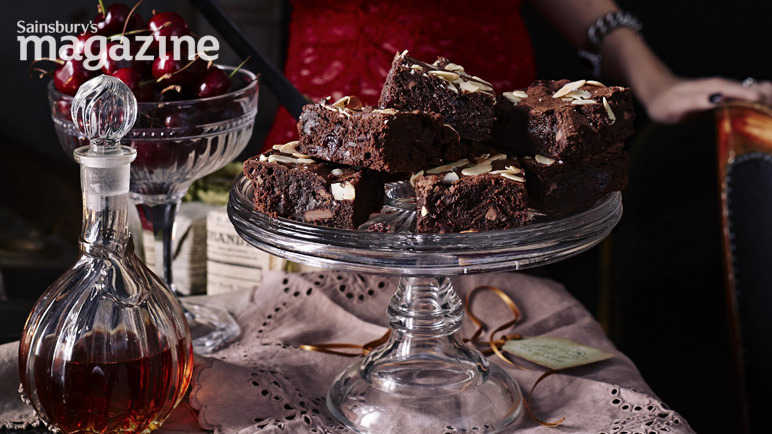 Cherry chocolate and almond brownies