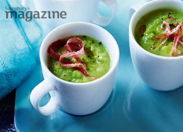 Pea and celeriac soup shots with shredded jamón