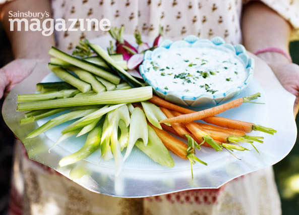 Chilli and coriander dip with crudités