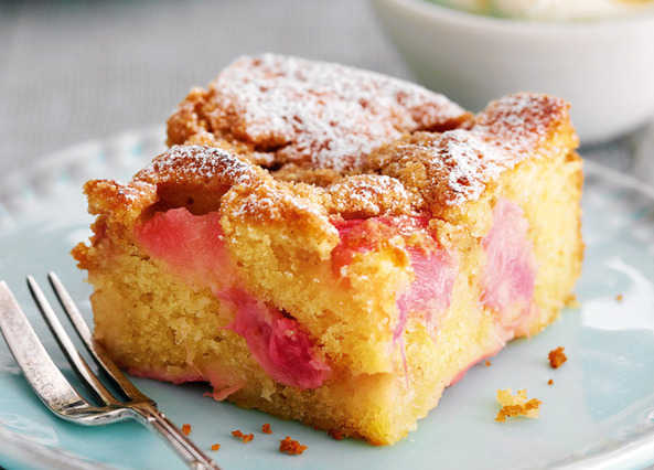 Strawberry And Rhubarb Crumble Cake Uk