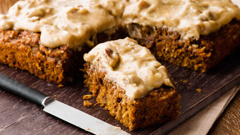 Walnut topped carrot cak image